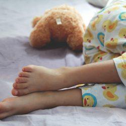 أسباب التبول اللاإرادي عند الأطفال وطرق التخلص منه